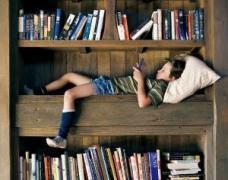 爱看书但不爱写字的小毅